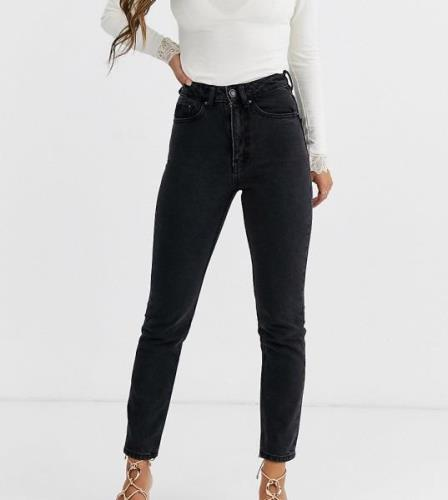 Vero Moda Petite high waist ankle grazer mom jean-Black